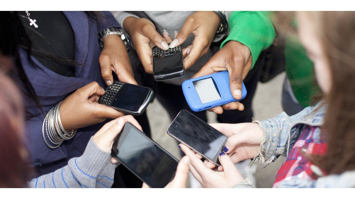 sosyal medyal.com sosyal medya bağımlılığı süre sınırlaması